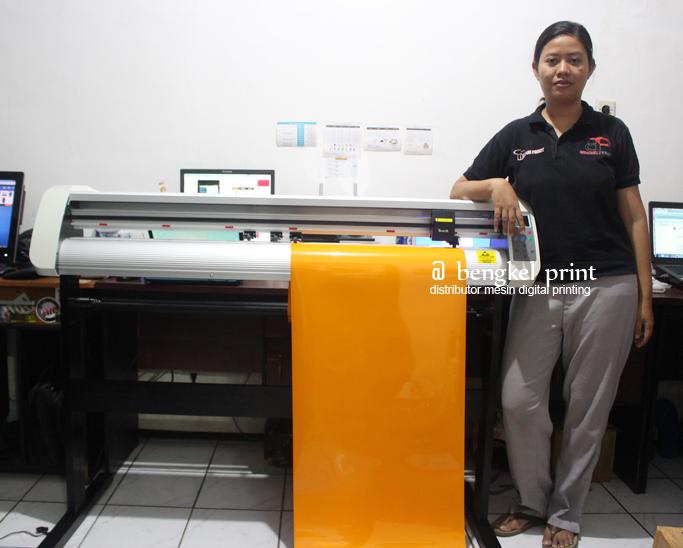 mesin cutting sticker tenth th1300